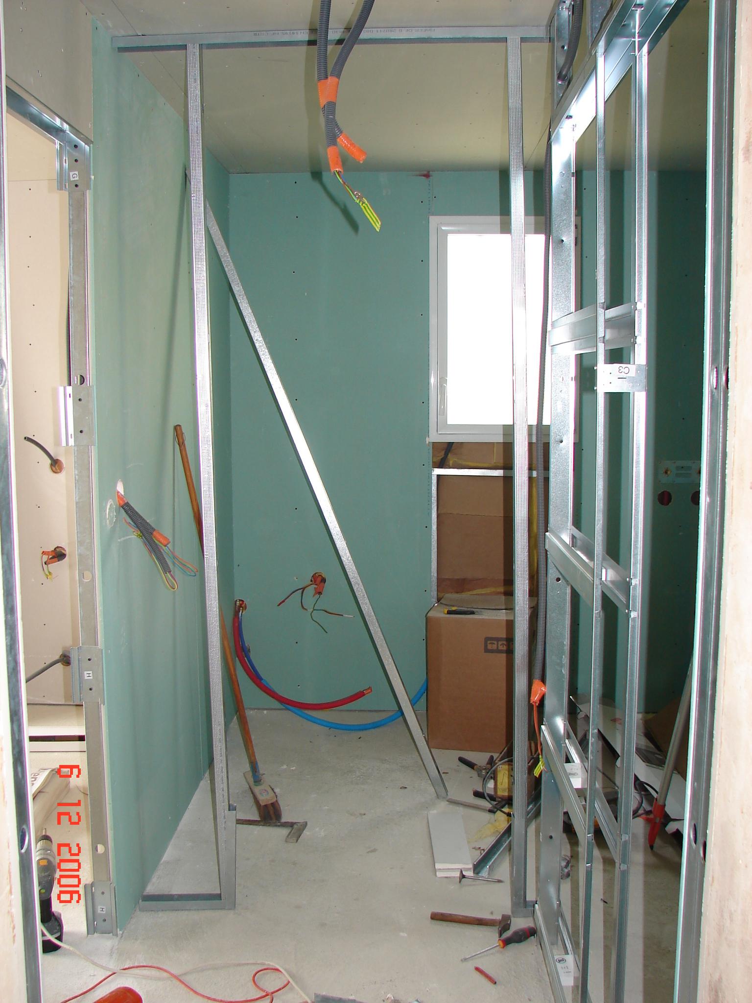 Suite du placo la maison du coudray for Installer porte galandage